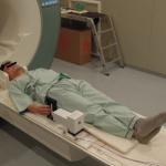 MRI装置中での2軸力センサ使用例