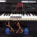 ピアノの鍵盤位置と打鍵力センサー